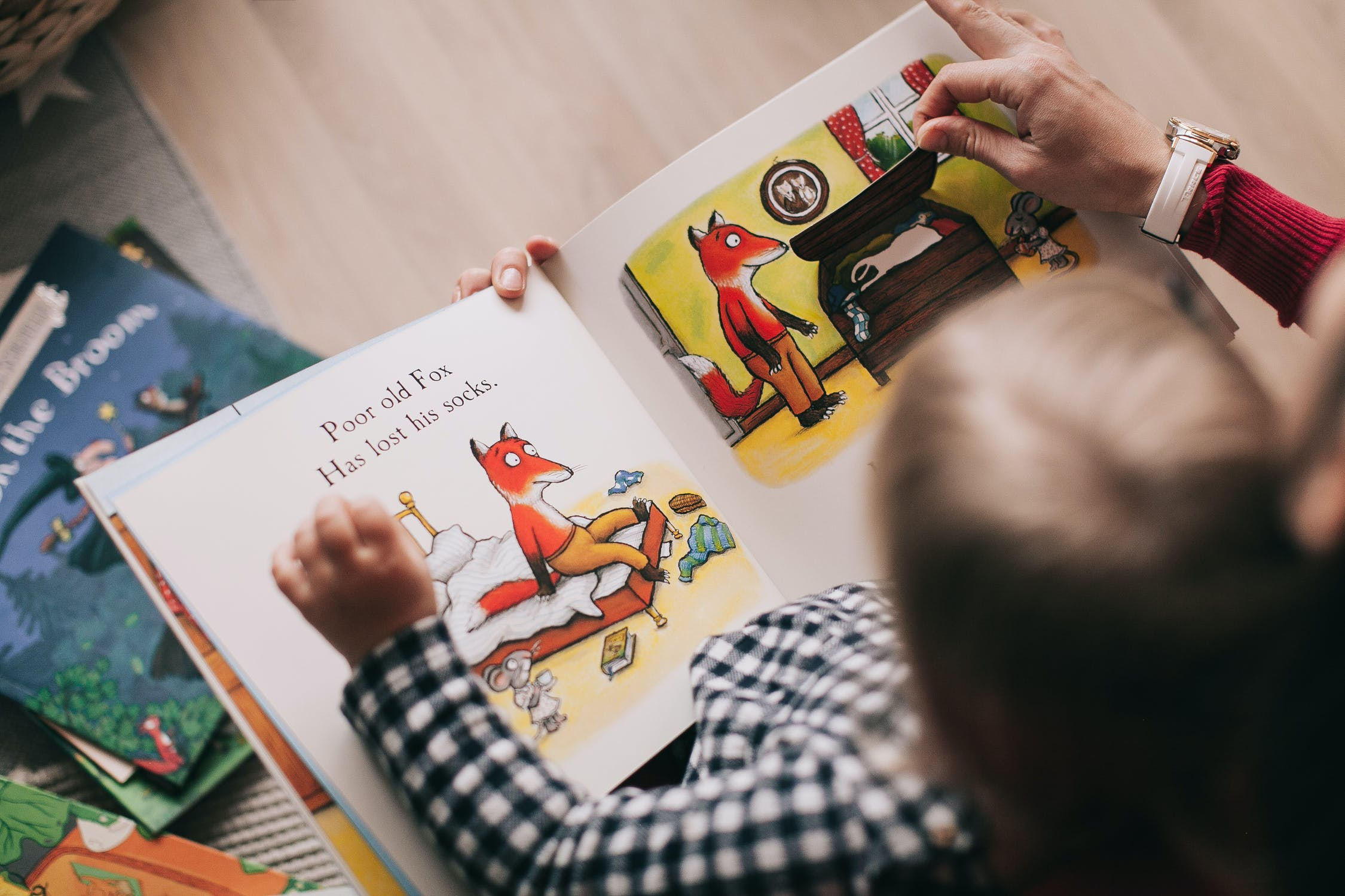 Kiddie Castle - At What Age Should You Start Reading With Your Child